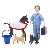 Breyer Classic Vet Care Set
